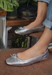 San Marina - LYZA - Ballet pumps - argent - 4