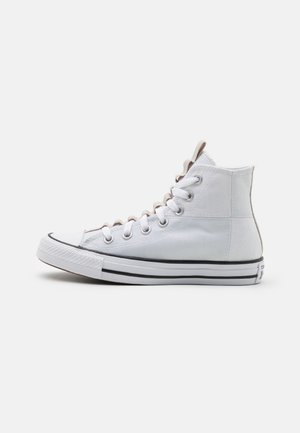 CHUCK TAYLOR ALL STAR UTILITY WEBBED UNISEX - Korkeavartiset tennarit - white/string/black