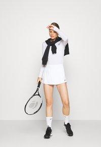 BIDI BADU - PIA TECH ROUNDNECK LONGSLEEVE - Sports shirt - white - 1