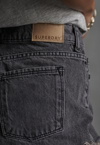 Superdry - CUT-OFF  - Denim shorts - washed black - 6