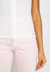 Pepe Jeans - FREJA - Print T-shirt - off white - 6