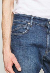 CLOSED - UNITY SLIM - Slim fit jeans - dark blue - 4