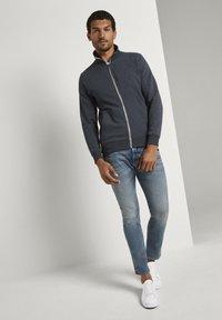 TOM TAILOR - Slim fit jeans - mid stone bright blue denim - 1