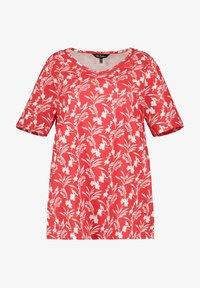 Ulla Popken - Print T-shirt - salsa - 1