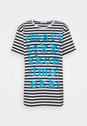 KIOSKI LYHYTHIHA LOGO PLACEMENT - Print T-shirt - white/black/bright blue
