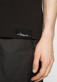 3.1 Phillip Lim - POSTCARD PERFECT TEE - T-shirt con stampa - black - 4