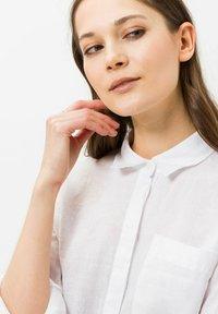 BRAX - STYLE VIVIAN - Button-down blouse - white - 3
