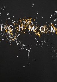 John Richmond - ILESANDI - Print T-shirt - black - 5