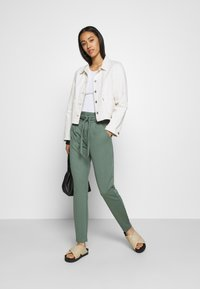 Vero Moda - VMEVA  - Tracksuit bottoms - laurel wreath - 1