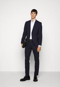 HUGO - ARTI HESTEN - Suit - blue/red check - 1