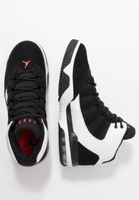 Jordan - MAX AURA - Sneakers high - white/infrared/black - 1