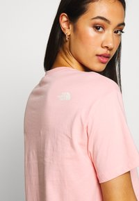 The North Face - CENTRAL LOGO CROP TEE - Print T-shirt - ballet pink/vintage white - 3