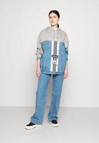 adidas Originals - JACKET - Veste en jean - medium grey heather - 1