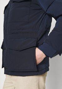 Tommy Hilfiger - ROPE DYE AIRFIELD - Winter coat - blue - 5