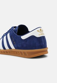 adidas Originals - HAMBURG UNISEX - Matalavartiset tennarit - victory blue/white - 4