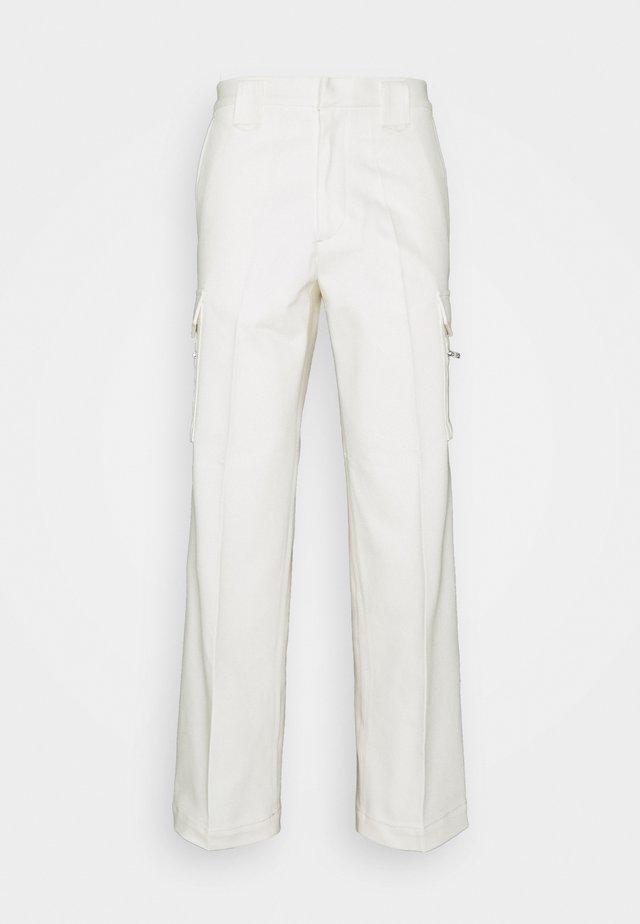 JACKSON PANTS - Pantalon cargo - offwhite
