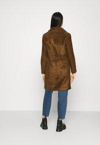 ONLY - ONLCLAIRE COAT - Klasický kabát - toasted coconut - 2