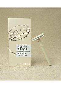 UpCircle - SAFETY RAZOR - Razor - - - 2