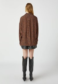 PULL&BEAR - Button-down blouse - brown - 2