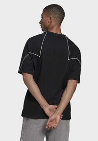 adidas Originals - Camiseta estampada - black - 1
