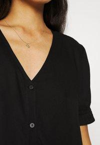 Monki - WILLA DRESS - Denní šaty - black dark - 4