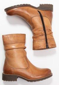 Anna Field - LEATHER WINTER BOOTIES - Kotníkové boty - cognac - 3