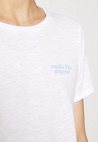 Marc O'Polo - SHORT SLEEVE ROUND NECK - Print T-shirt - multi/white - 5