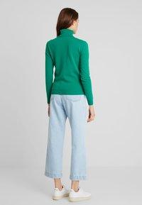 Benetton - TURTLE NECK - Sweter - green - 2
