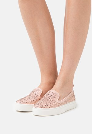 WIDE FIT ALBIE - Trainers - pink