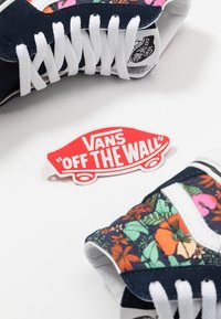 Vans - SK8 UNISEX - Sneaker high - dress blues/true white
