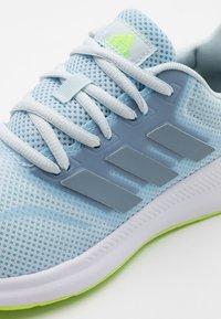 adidas Performance - RUNFALCON - Neutrale løbesko - sky tint/tactile blue/signal green - 5