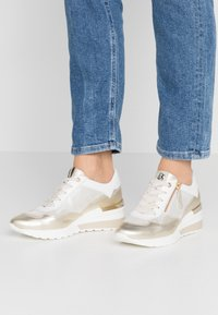 DL Sport - Trainers - gold - 0