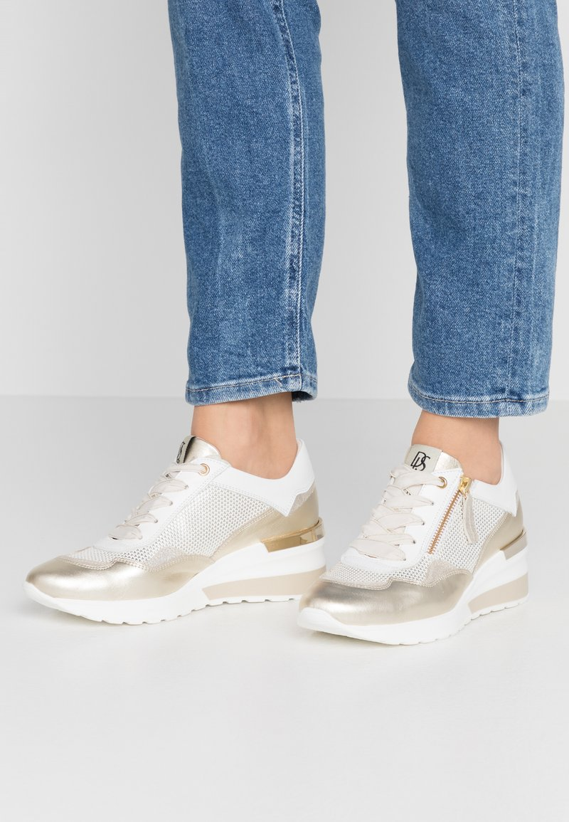 DL Sport - Trainers - gold