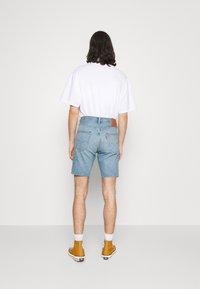 Levi's® - 501® HEMMED - Denim shorts - light-blue denim - 2
