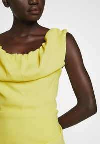Vivienne Westwood - LONG GINNIE DRESS - Suknia balowa - yellow - 8