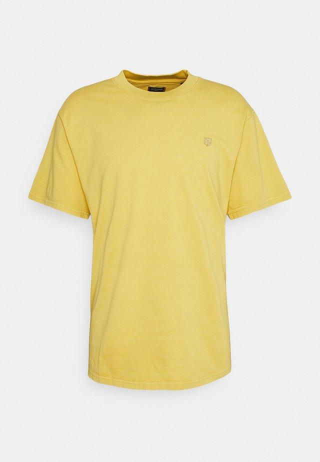 JPRBLUJULIO TEE CREW NECK - T-shirts basic - sauterne