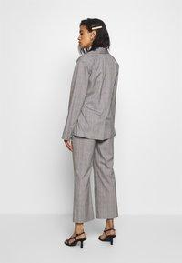Who What Wear - SIDE TIE - Blazer - grey - 2