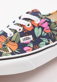 Vans - AUTHENTIC - Trainers - dress blues/true white - 2