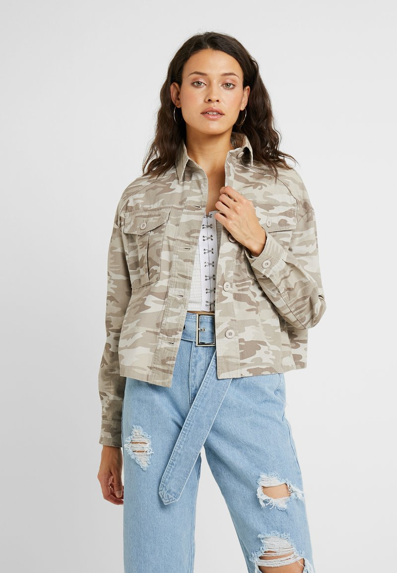 New Look Tall - CROP UTILITY - Summer jacket - cream
