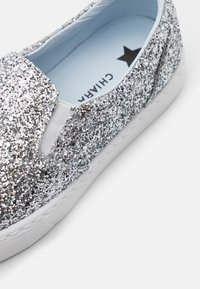 CHIARA FERRAGNI - CARRY OVER - Slip-ons - silver - 4