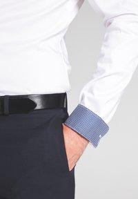 Eterna - SUPER-SLIM - Formal shirt - weiß - 2