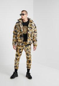 Versace Jeans Couture - FELPE UOMO - Sweatshirt - nero - 1