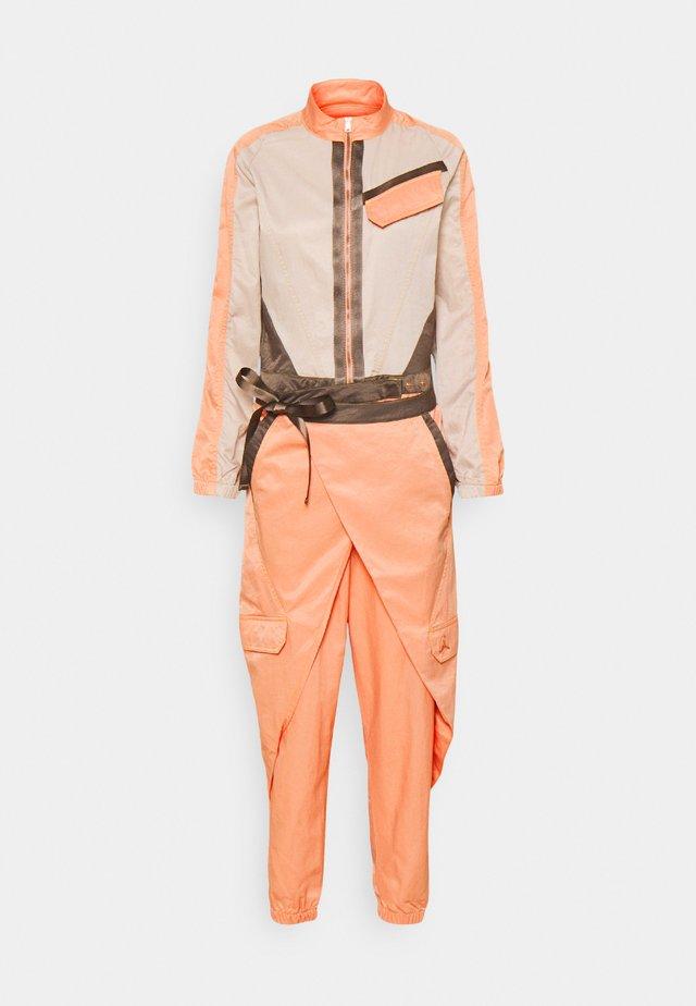 FLIGHTSUIT FUTURE - Jumpsuit - apricot agate/red/bronze