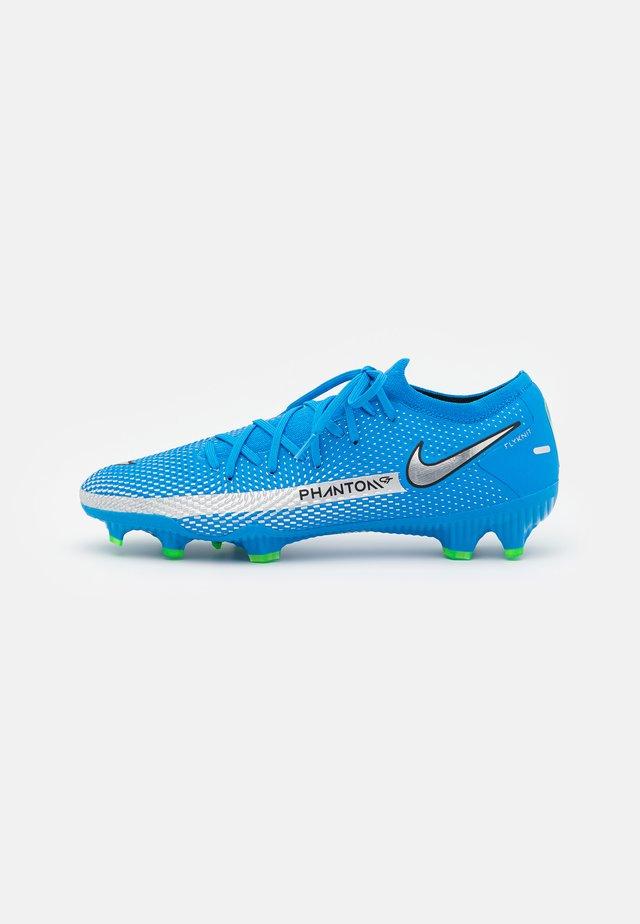 PHANTOM GT PRO FG - Voetbalschoenen met kunststof noppen - photo blue/metallic silver/rage green