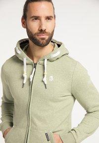 Schmuddelwedda - Zip-up sweatshirt - pastelloliv melange - 3