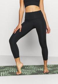 Nike Performance - NOVELTY 7/8 - Collants - black/purple smoke/dark smoke grey - 0