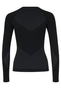 Hummel - Langærmede T-shirts - black - 3