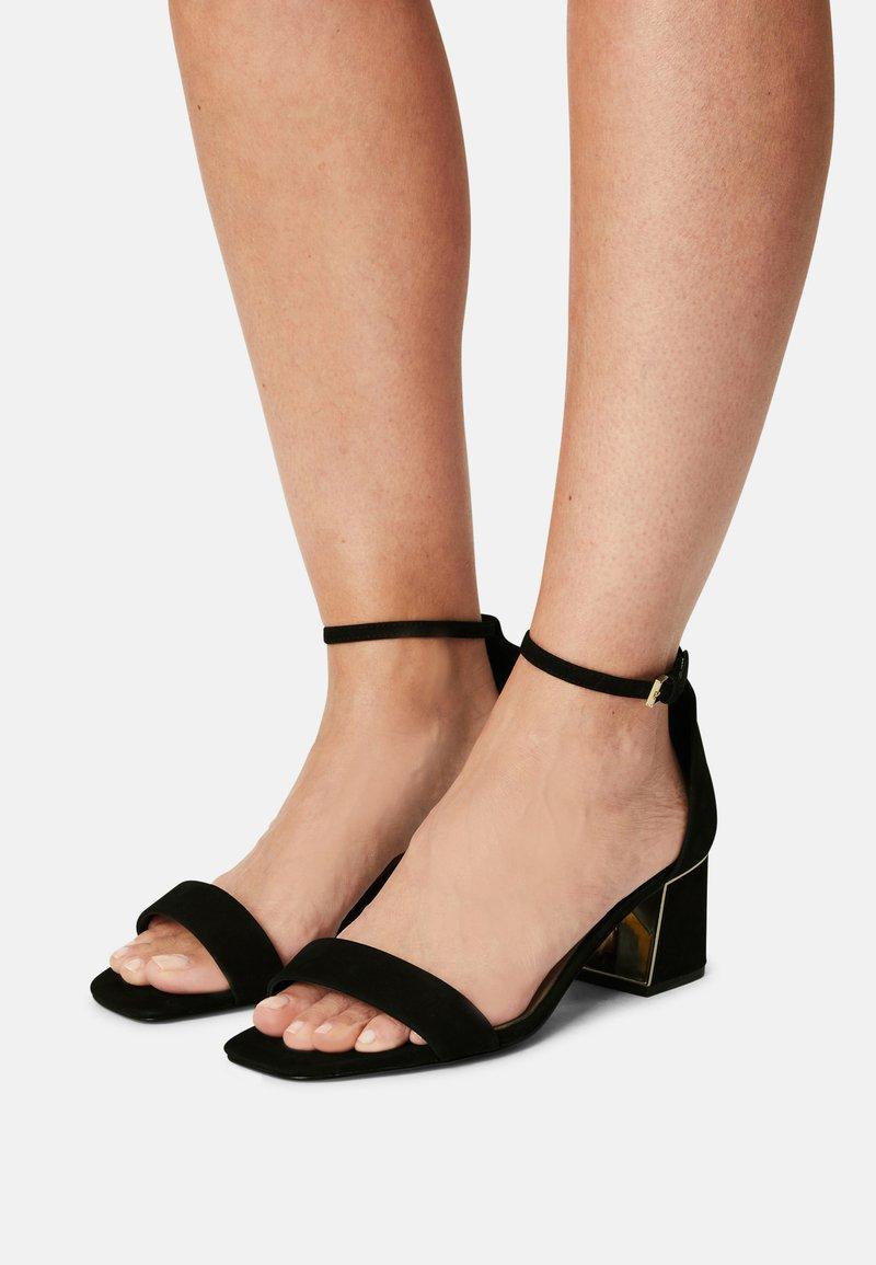 ALDO Wide Fit - KEDEAVIEL - Sandalen - black