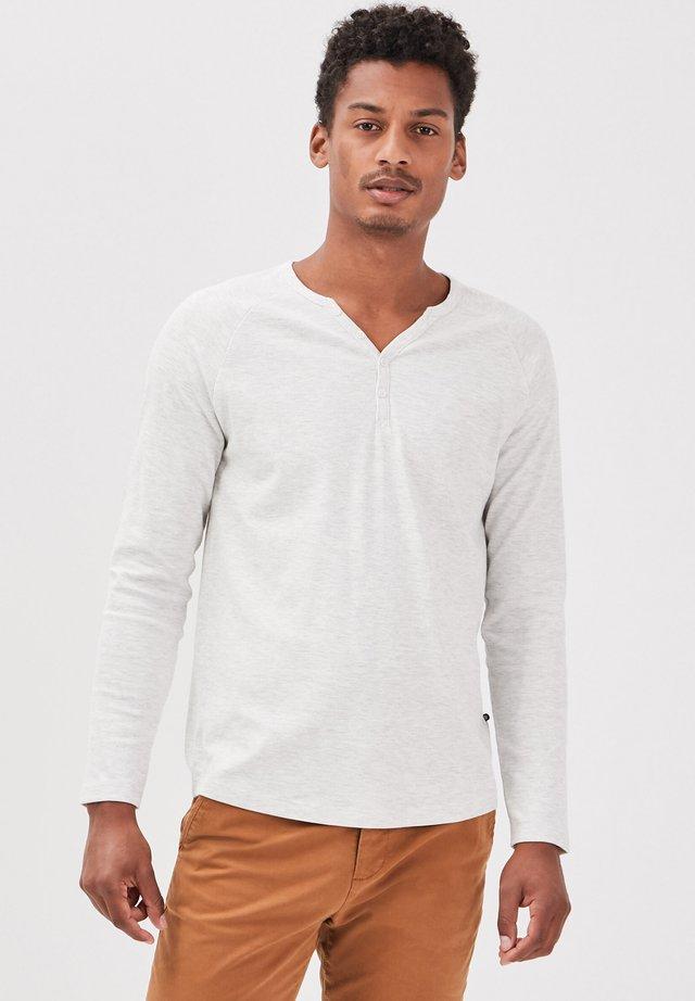 Long sleeved top - ecru