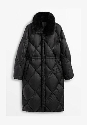 LANGER GESTEPPTER - Winter coat - black